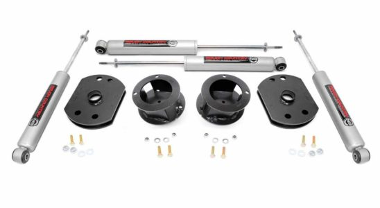 Rough Country 2.5-inch Lift Kit w/ Front & Rear Lifts & Shocks – Winner Best Leveling Kit for Ram 2500